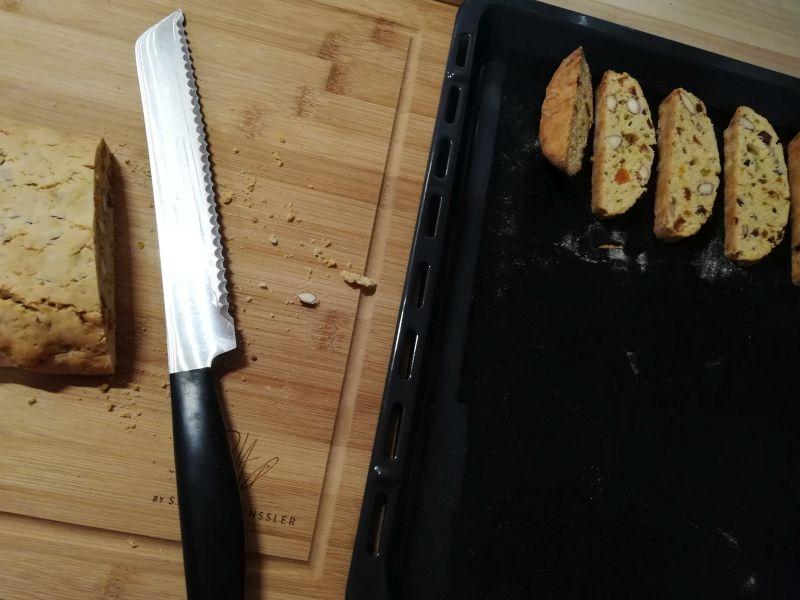 Biscotti mit Mandeln und Aprikosen