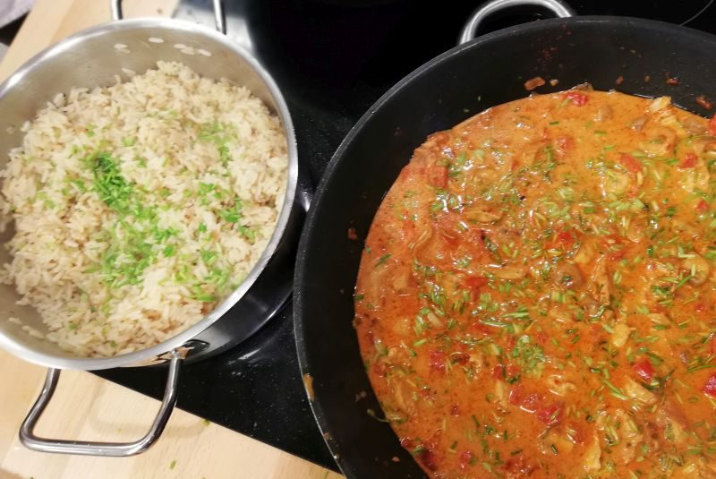 Hähnchengeschnetzeltes in Pilz-Paprika-Rahm-Sauce